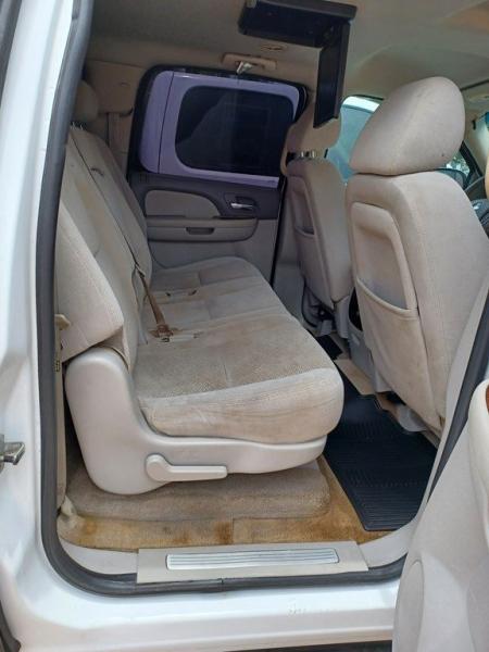 CHEVROLET SUBURBAN 2007 price $7,900