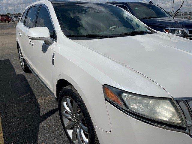 LINCOLN MKT 2010 price $10,999