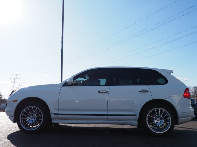 Porsche Cayenne 2010 price $21,980