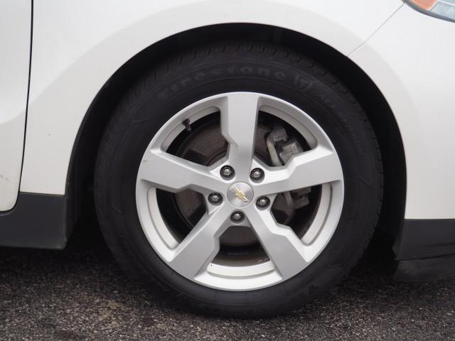 Chevrolet Volt 2015 price $10,995