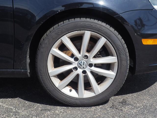 Volkswagen Eos 2014 price $13,995
