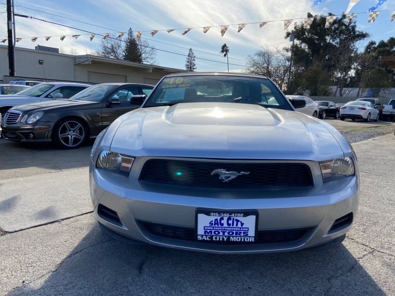 Ford Mustang 2010 price $9,999
