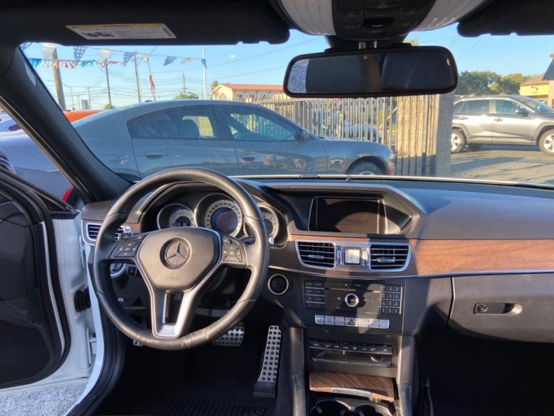 Mercedes-Benz E-Class 2016 price $22,999