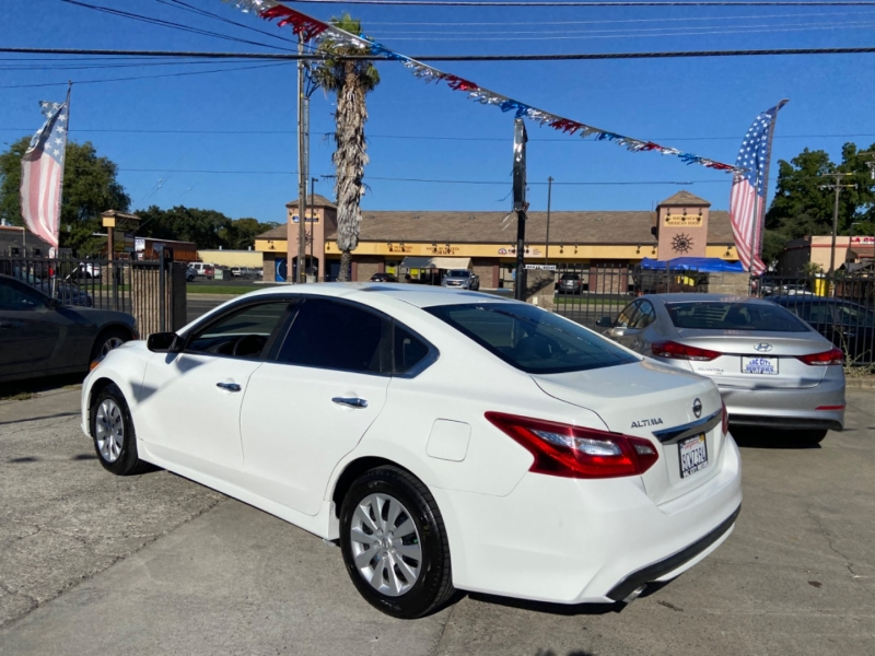 Nissan Altima 2017 price $11,999