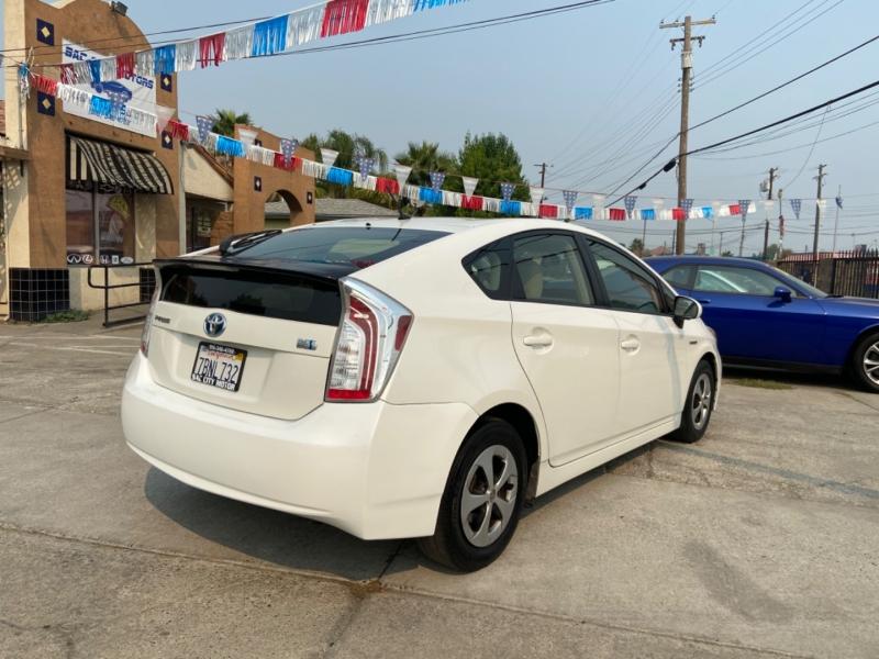 Toyota Prius 2013 price $6,999