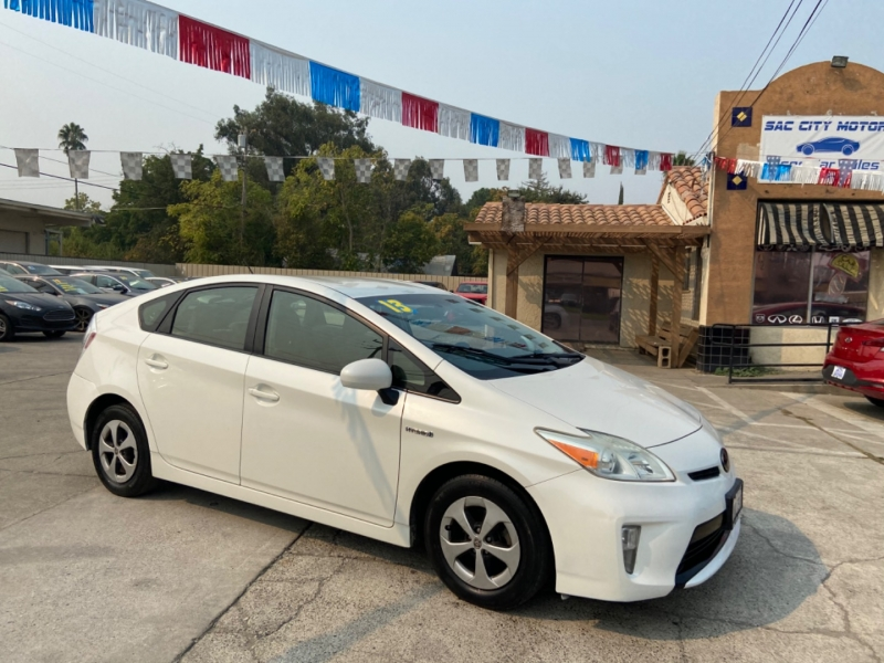 Toyota Prius 2013 price $7,999