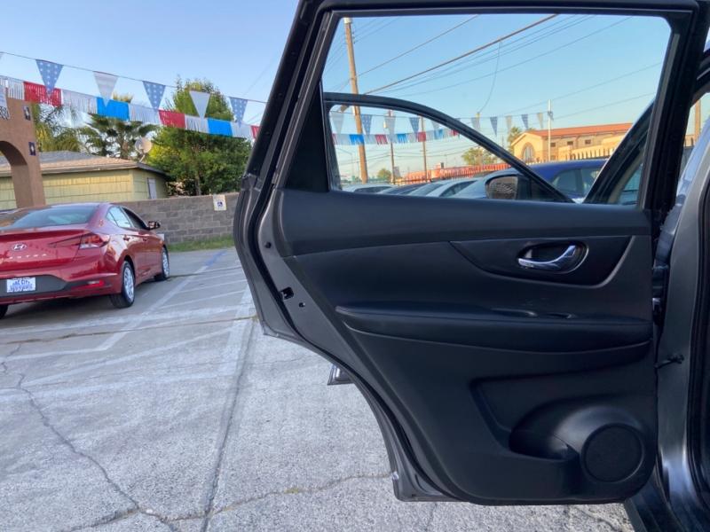 Nissan Rogue 2017 price $13,999