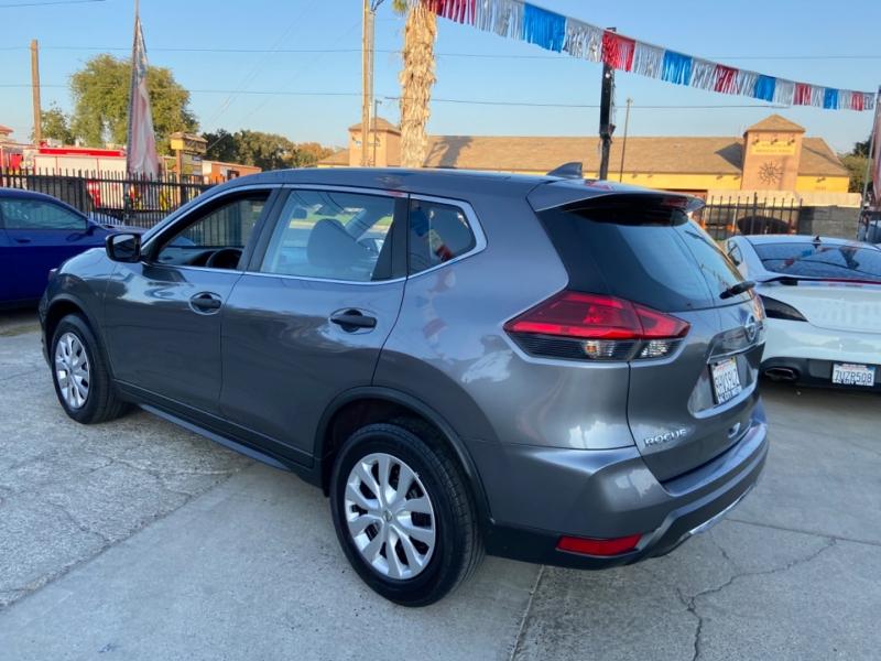 Nissan Rogue 2017 price $12,999