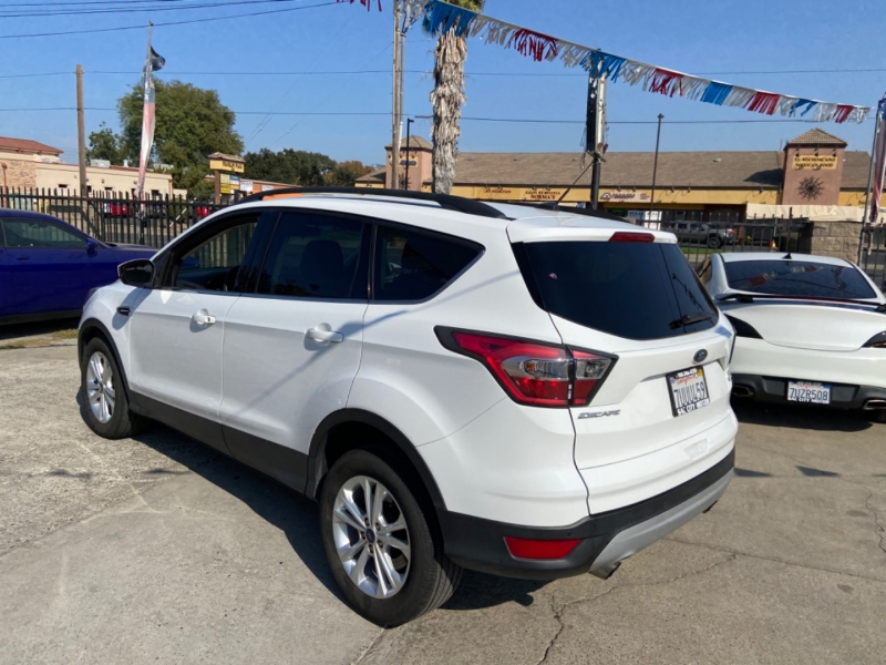 Ford Escape 2017 price $13,999
