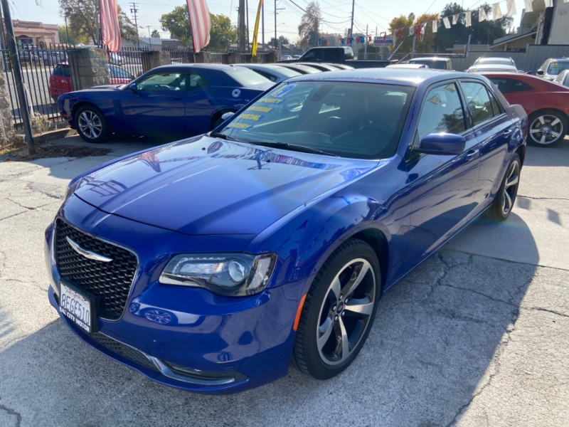 Chrysler 300S 2019 price $18,999