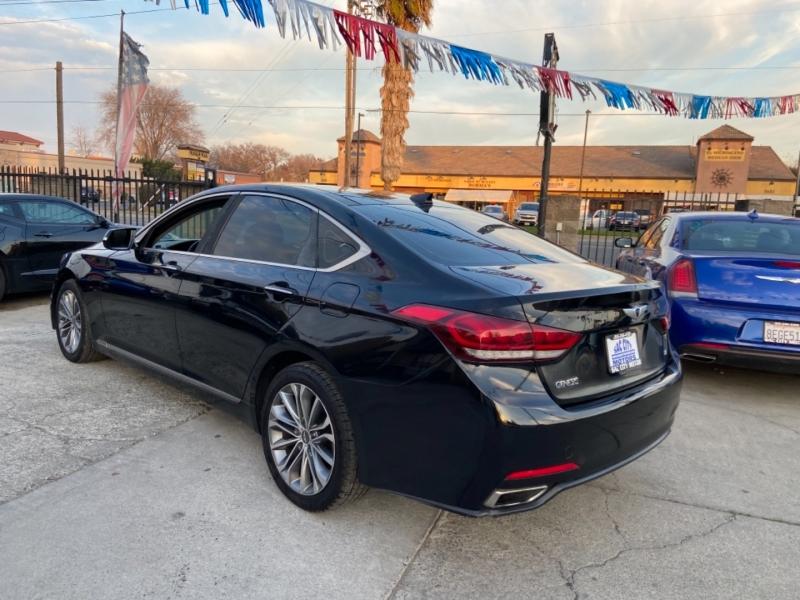 Hyundai Genesis 2015 price $13,999