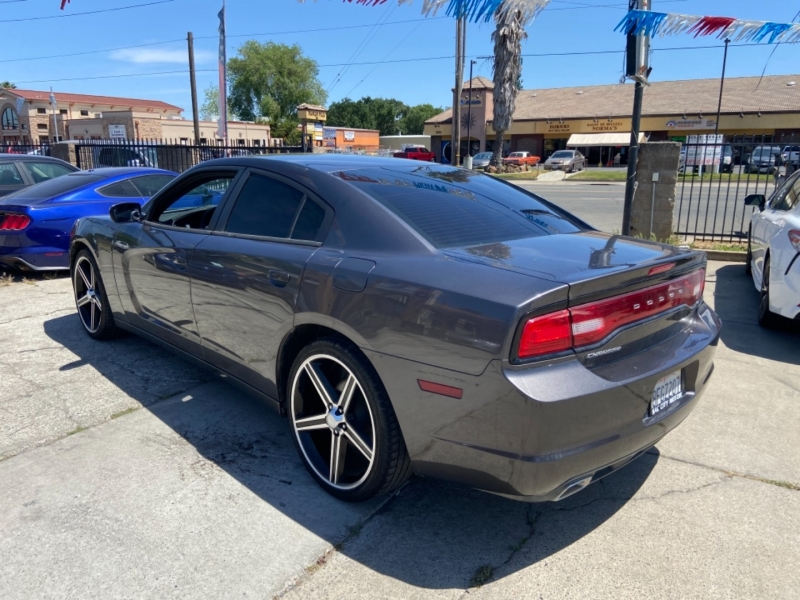Dodge Charger 2014 price $15,500