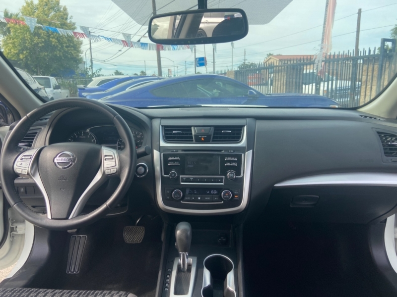 Nissan Altima 2016 price $14,999