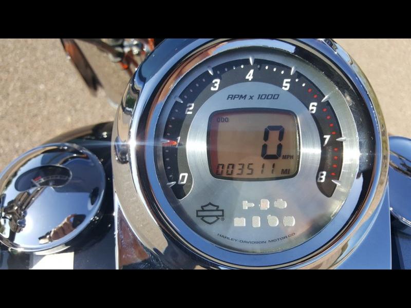 Harley-Davidson FLSTSE - CVO Softail Convertible 2010 price $19,995