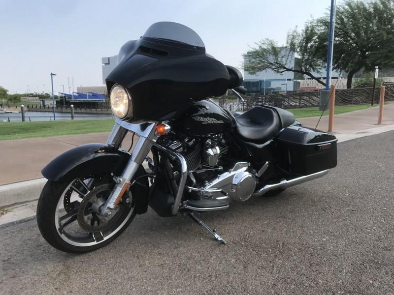 Harley-Davidson FLHX - Street Glide 2017 price $16,545