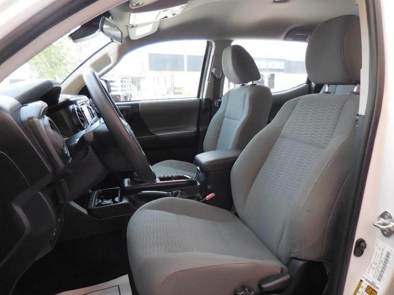 Toyota Tacoma 2018 price $28,995