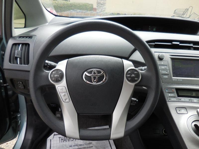Toyota Prius 2013 price $7,800