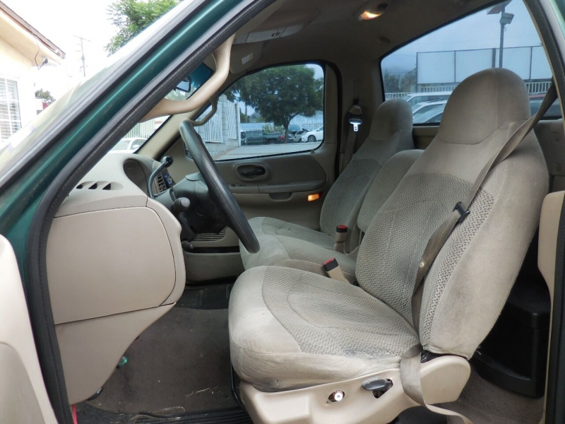 Ford F-150 2000 price $2,400