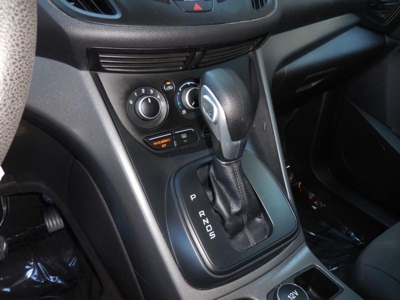 Ford Escape 2016 price $8,895