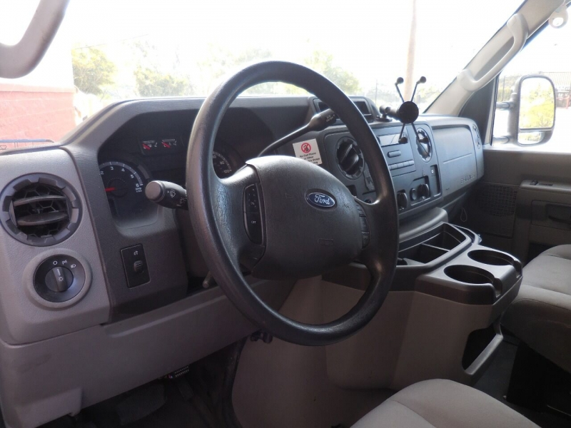 Ford E-Series Cargo 2013 price $12,350
