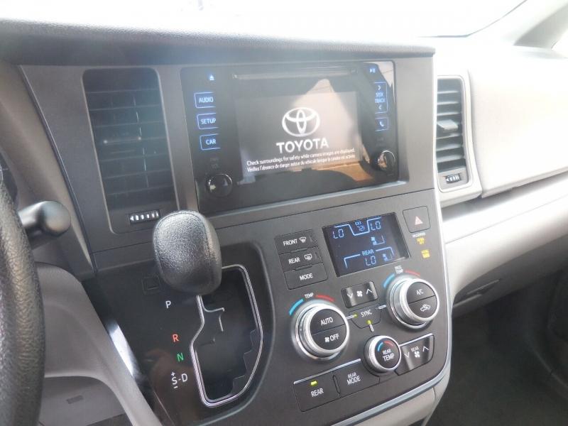 Toyota Sienna 2016 price $16,995