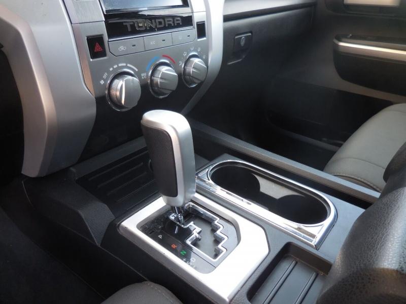 Toyota Tundra 2015 price $18,250