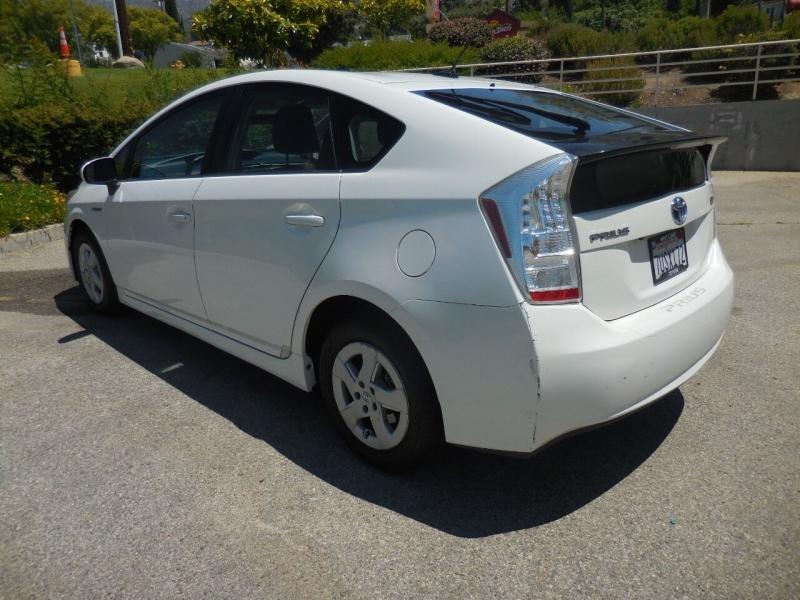 Toyota Prius 2010 price $9,750