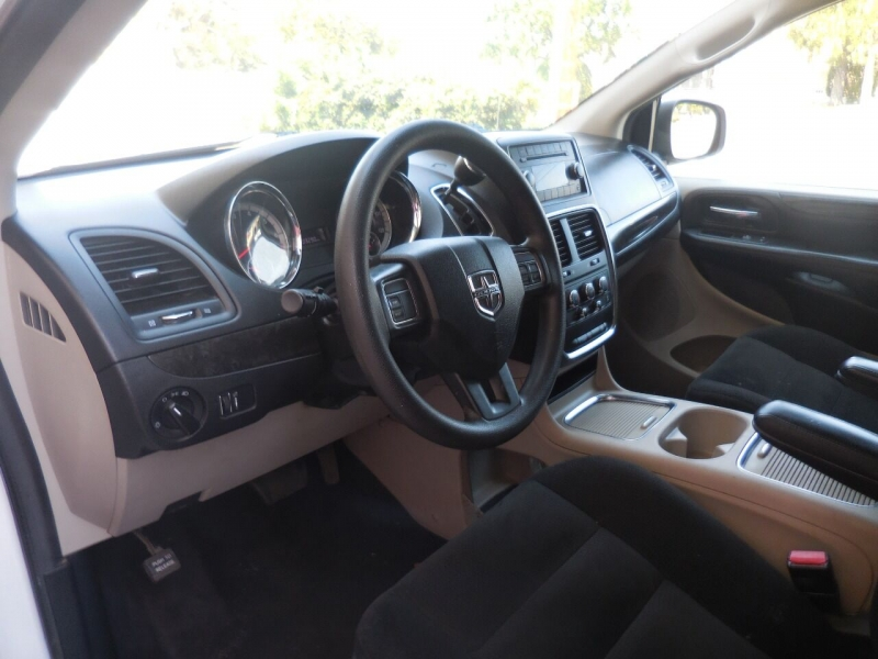 Dodge Grand Caravan 2015 price $11,450