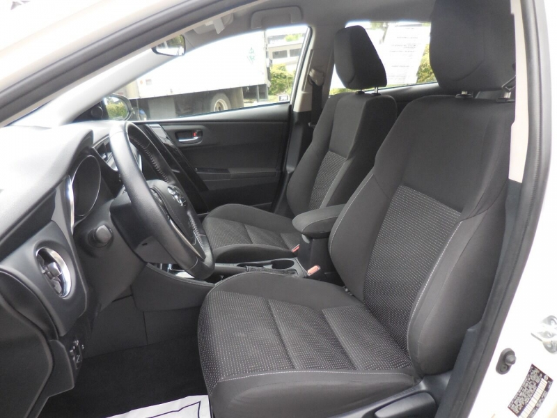 Toyota Corolla iM 2017 price $12,800