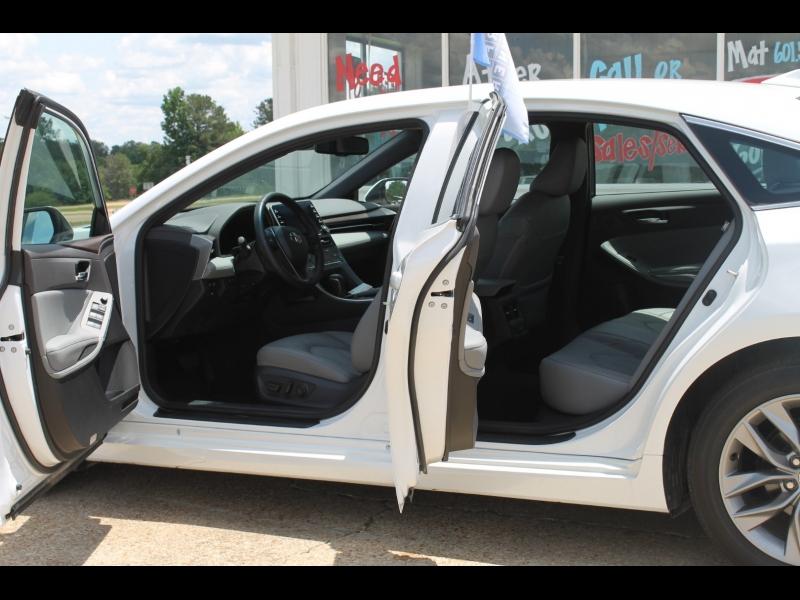 Toyota Avalon 2020 price $32,000