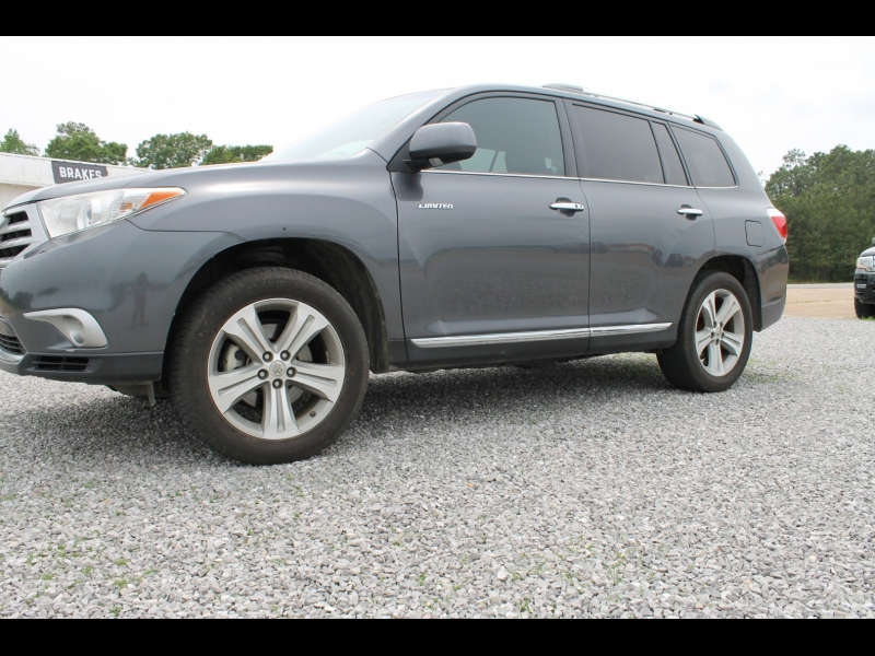 Toyota Highlander 2013 price $16,500