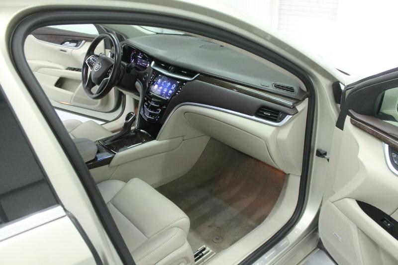 Cadillac XTS 2015 price $17,600