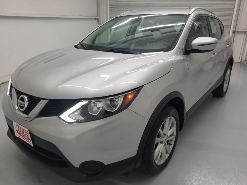 Nissan Rogue Sport 2017 price $16,800