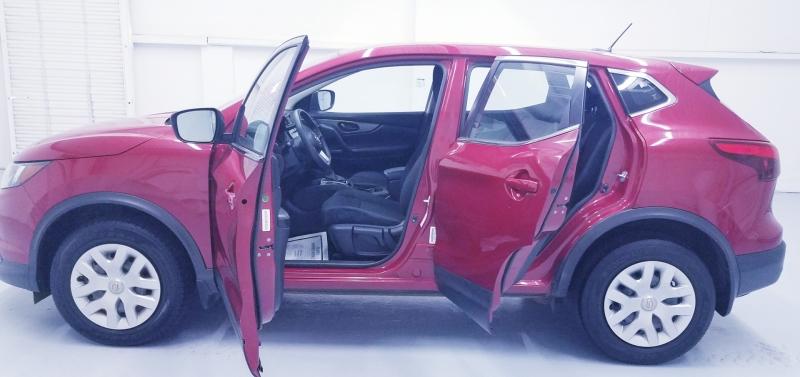 Nissan Rogue Sport 2018 price $18,155