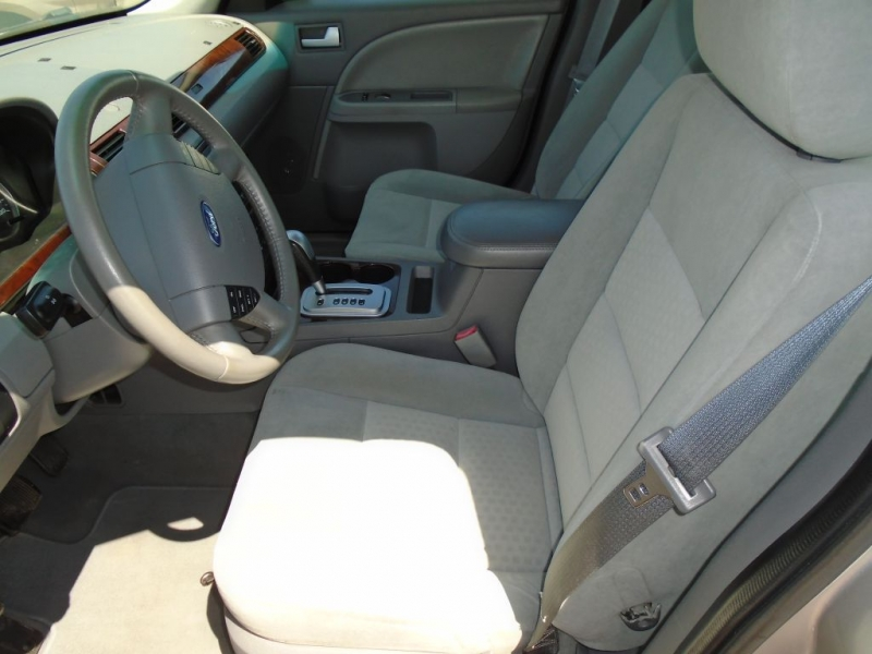 FORD FIVE HUNDRED 2007 price $4,900