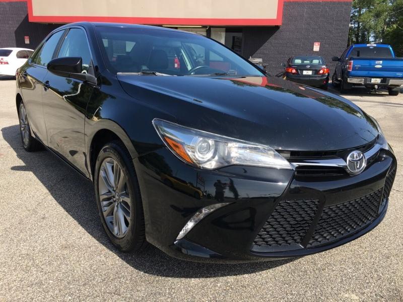 Toyota Camry 2017 price $15,575