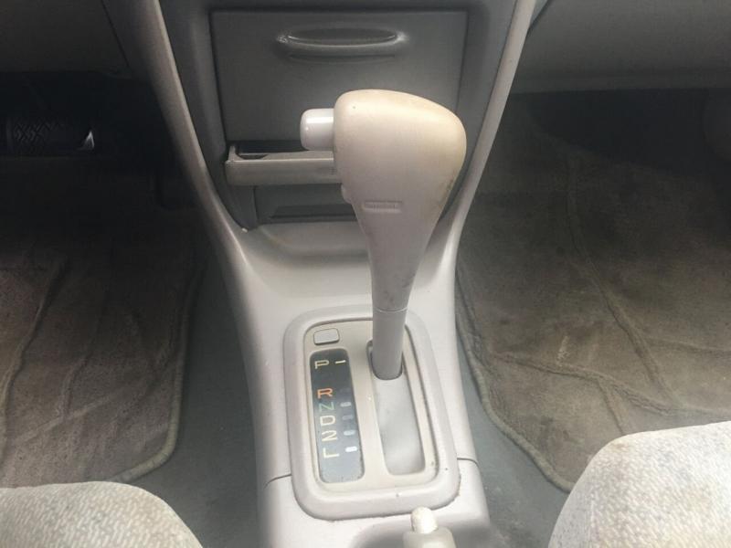 Toyota Corolla 2000 price $2,371
