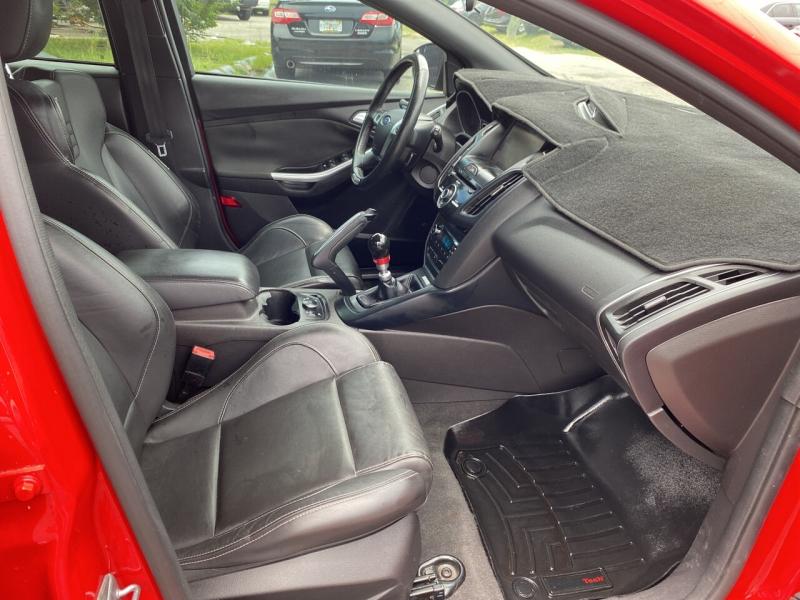 Ford Focus 2013 price $14,869