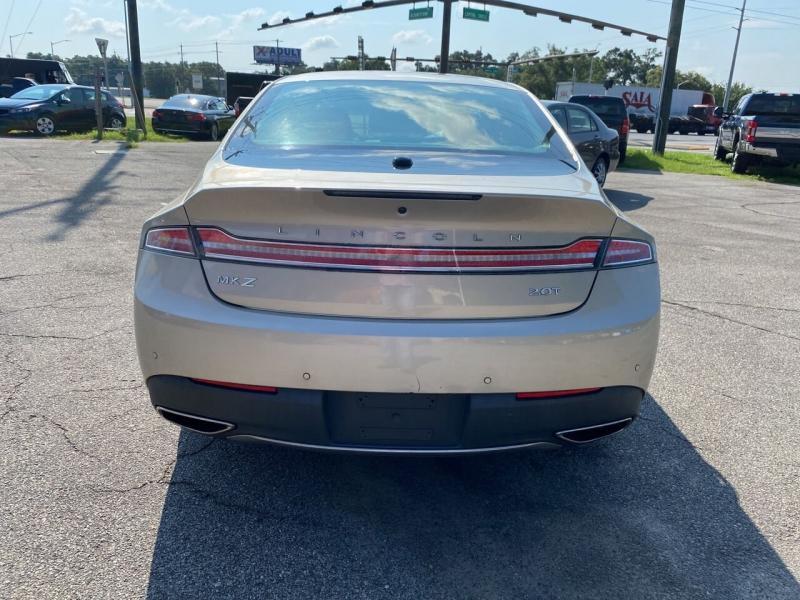 Lincoln MKZ 2017 price $25,295