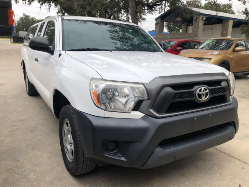 Toyota Tacoma 2015 price $16,999