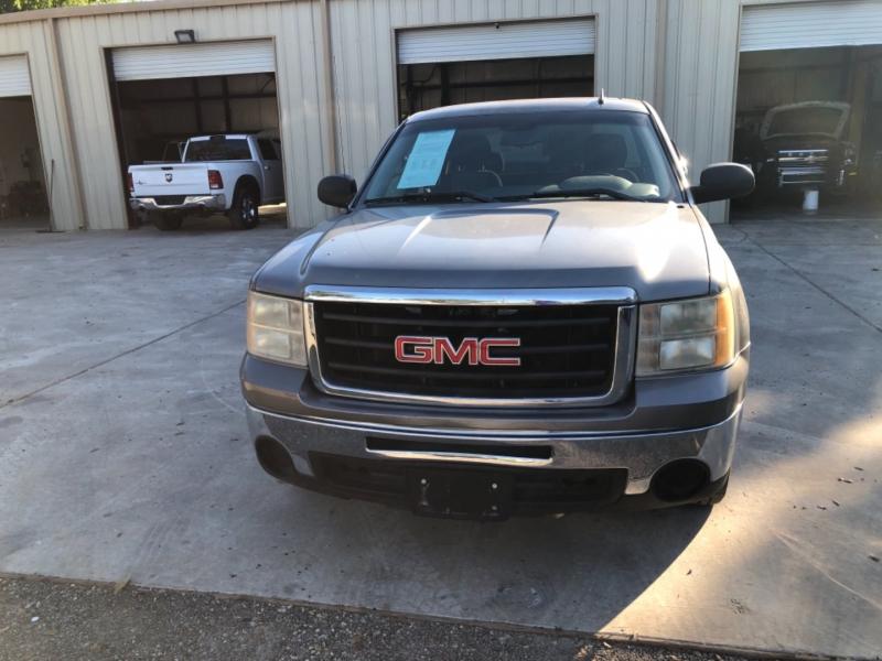 GMC Sierra 1500 2009 price $15,900