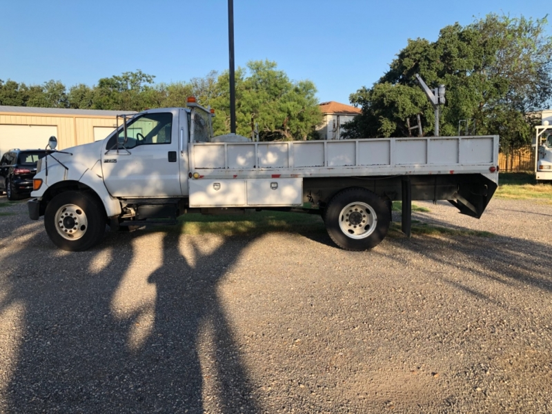 Ford F-150 2004 price $15,900