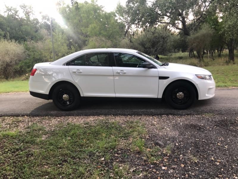 Ford Police Interceptor Sedan 2017 price $13,900