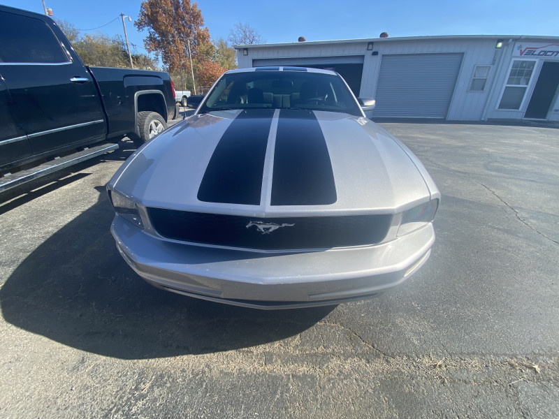 Ford Mustang 2009 price $10,500