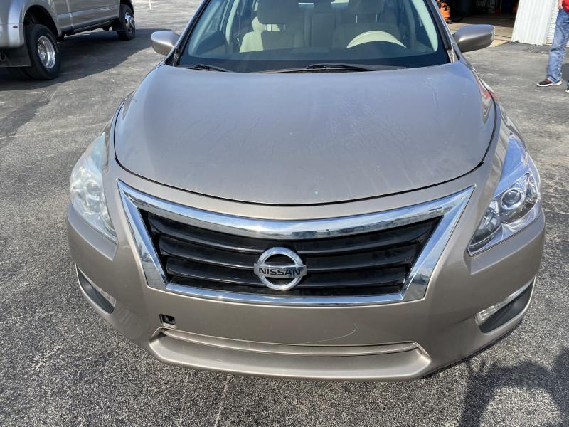 Nissan Altima 2014 price $10,800