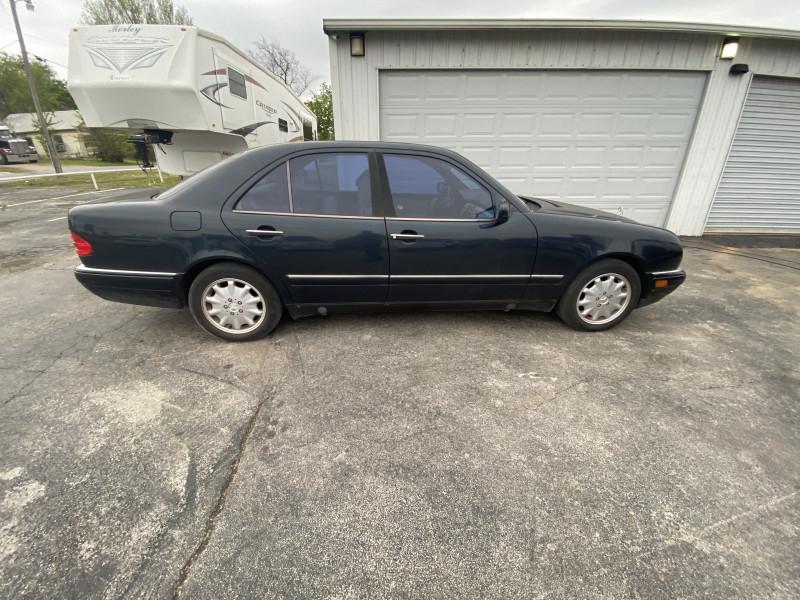 Mercedes-Benz E-Class 1997 price $3,999