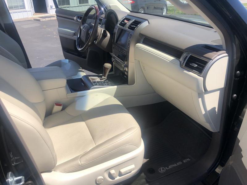 Lexus GX 460 2016 price $36,995