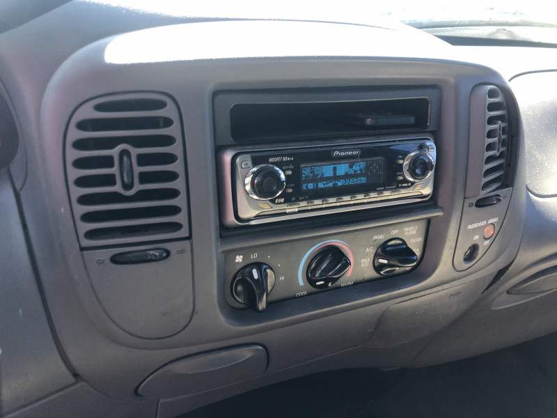 Ford F-150 2002 price $2,750