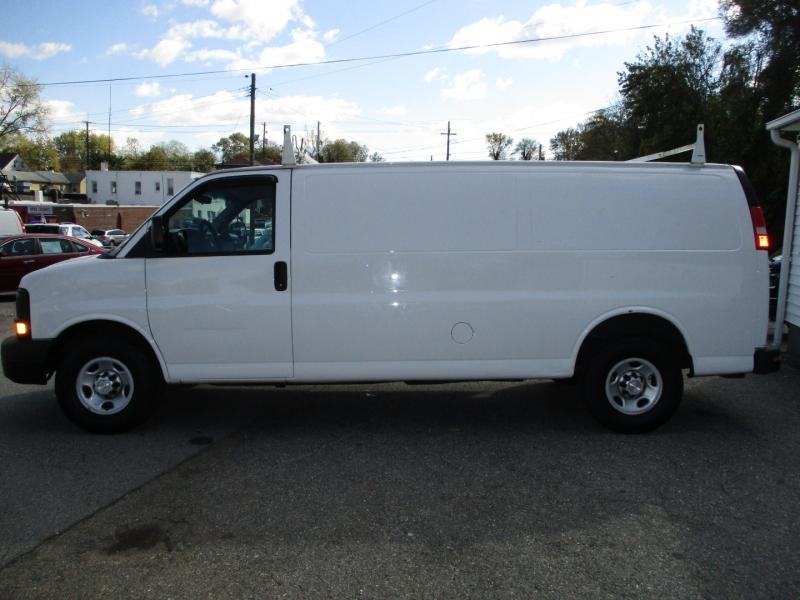 Chevrolet Express Cargo Van 2015 price $15,995