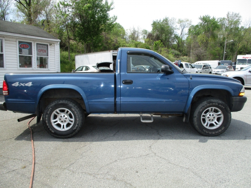 Dodge Dakota 2004 price $7,995